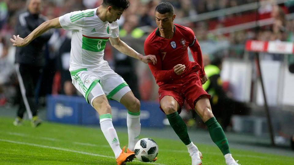 Dribbling Cristiano Ronaldo Portogallo-Algeria