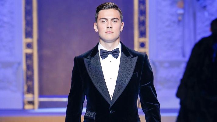 Dybala sfila per Dolce&Gabbana