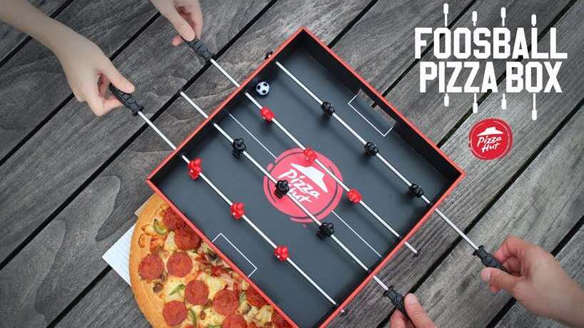 Pizza Hut presenta il Foosball Pizza Box