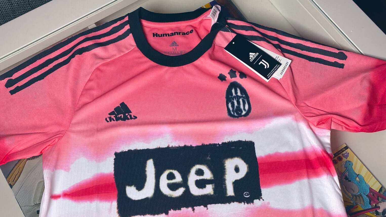 La nuova maglia realizzata con Adidas, Pharrell Williams e Humanrace